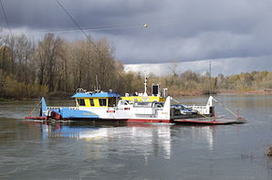 298px-Wheatland_Ferry_approaching_east_landing_P2326